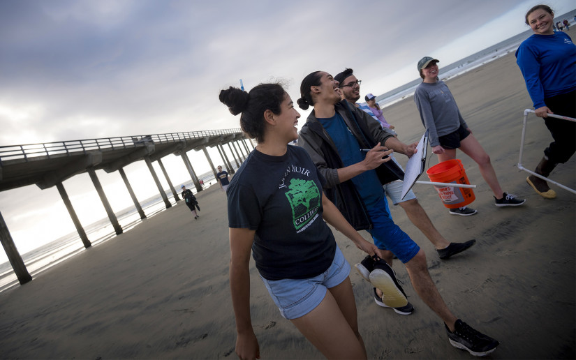Students participate in a marine biology undergrad class in the Scripps coastal reserve