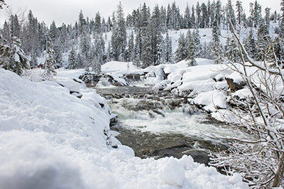 The amount of snow available for California's water supply can be measured by monitoring tiny fluxes in the height of Earth's crust. Photo: California DWR