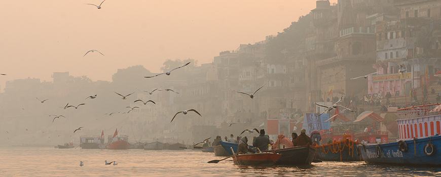 Ganges River under a hazy sky. Photo: Roehan Rengadurai