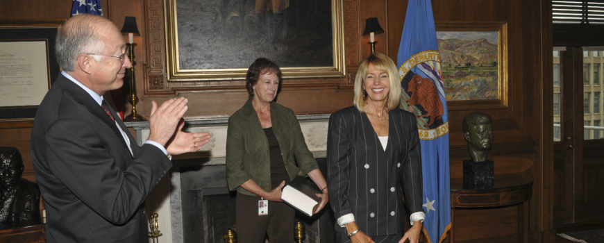 Marcia Kemper McNutt is sworn in as the first female head of the USGS