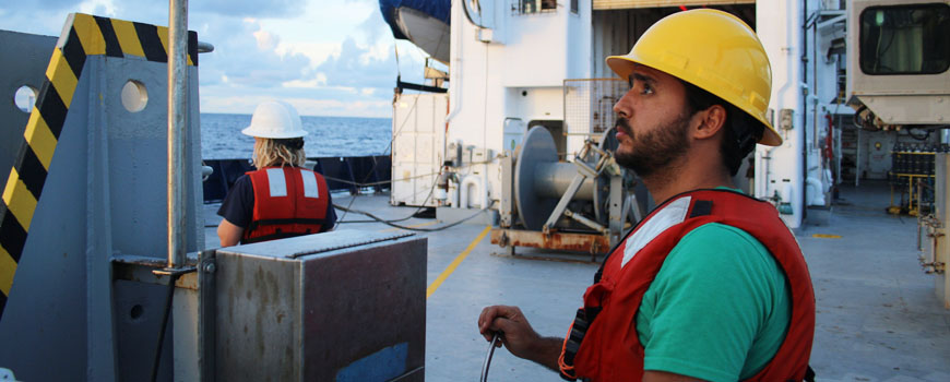 oceanography research paper The journal of physical oceanography (jpo) publishes research related to the physics of the ocean and to processes operating at its boundaries observational, theoretical, and modeling studies are all welcome, especially those that focus on elucidating specific physical processes.