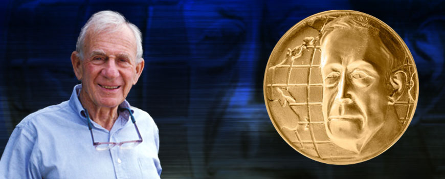 Walter Munk and the Roger Revelle Medal