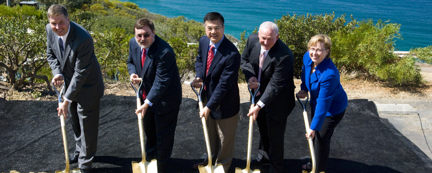U.S. Commerce Secretary Gary Locke  Breaks Ground on Major San Diego-Area Recovery Act Project