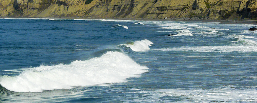 Surf north of La Jolla Shores