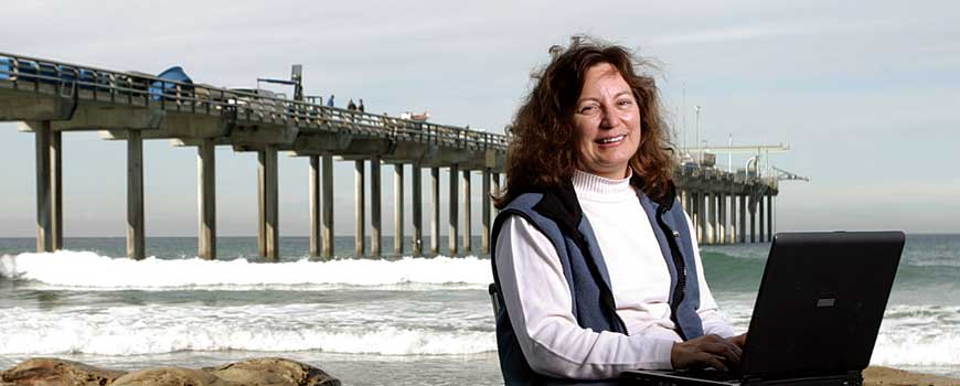 Professor Lynn Talley in front of Scripps Pier
