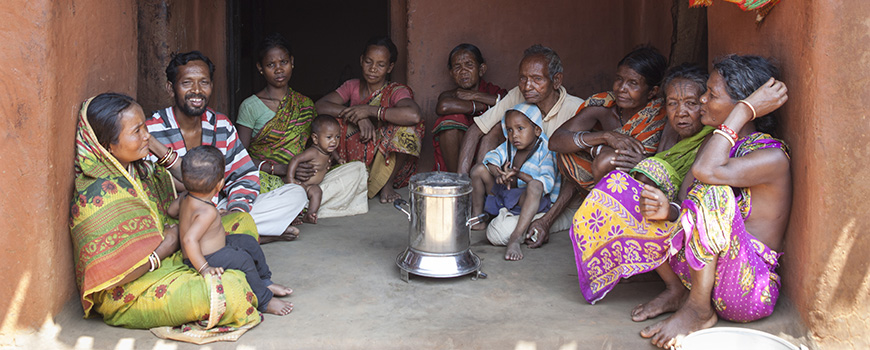 Indian family with clean-burning cookstove. Photo: Tanvi Mishra