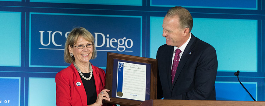 San Diego Mayor Kevin Faulconer presents Scripps Director Margaret Leinen with a proclamation Oct. 28, 2016