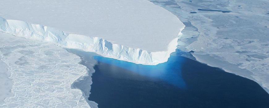 The Thwaites Ice Shelf as captured by NASA's Operation IceBridge. Photo: NASA / James Yungel